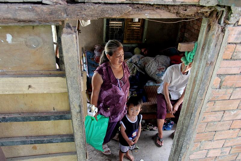 Chùm ảnh: Gia đình 17 người chuyển đến nhà mới - ảnh 4