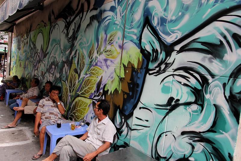 Ngắm những bức tường bẩn ở quận 1 được thay áo mới - ảnh 12