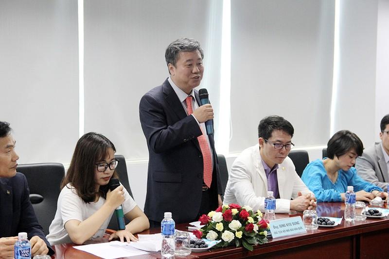 Đoàn Hội nhà báo Hàn Quốc thăm báo Pháp Luật TP.HCM - ảnh 4