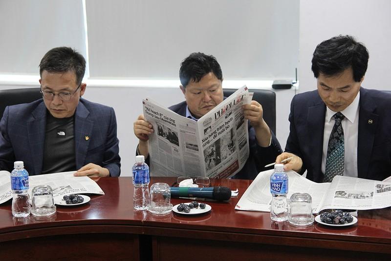 Đoàn Hội nhà báo Hàn Quốc thăm báo Pháp Luật TP.HCM - ảnh 8