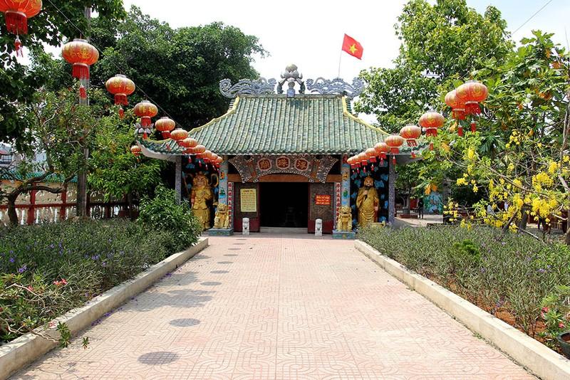Cận cảnh ngôi miếu hơn 300 năm giữa sông ở Sài Gòn - ảnh 8