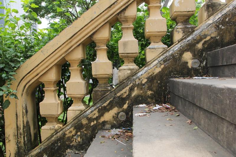 Cây cầu kiến trúc cổ nhất TP.HCM xuống cấp nghiêm trọng - ảnh 12