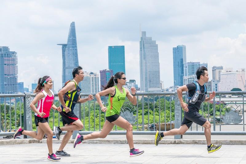 Hàng ngàn người tham gia giải Marathon quốc tế TP.HCM  - ảnh 1