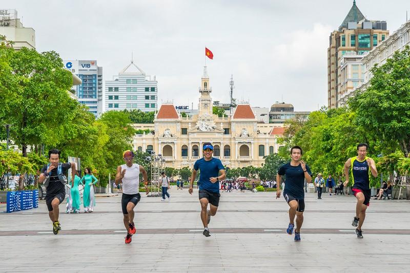 Hàng ngàn người tham gia giải Marathon quốc tế TP.HCM  - ảnh 2