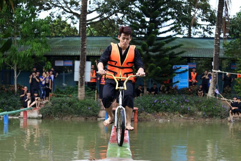 Về miền Tây chinh phục 'đi xe đạp qua cầu khỉ'  - ảnh 9