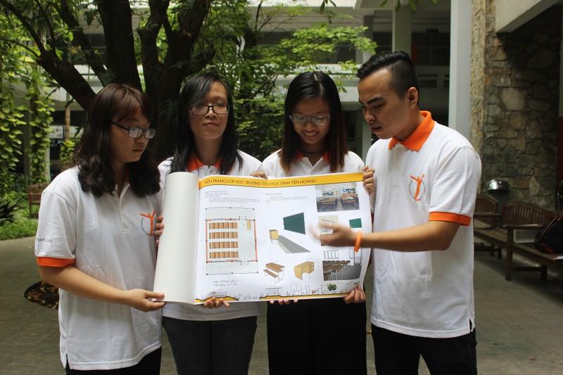 Sinh viên đề xuất tháo bỏ bục giảng - ảnh 2