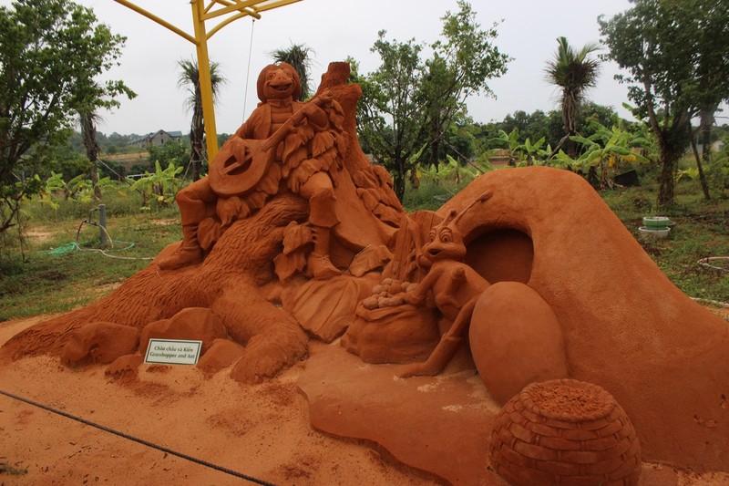 Độc đáo công viên tượng cát có một không hai  - ảnh 11
