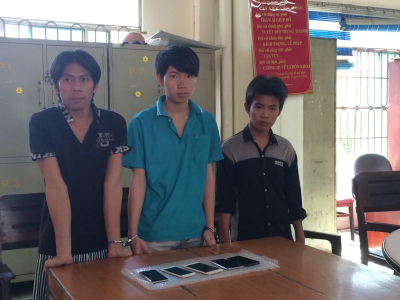 17 tuổi cầm đầu băng 'gây mê' bảo vệ, đột nhập FPT trộm cắp - ảnh 1