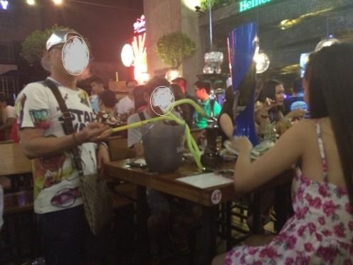Đột kích 'vũ trường' lộ thiên ở trung tâm Sài Gòn - ảnh 4