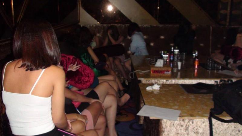 Nhà hàng cho khách hút shisha trái phép - ảnh 3