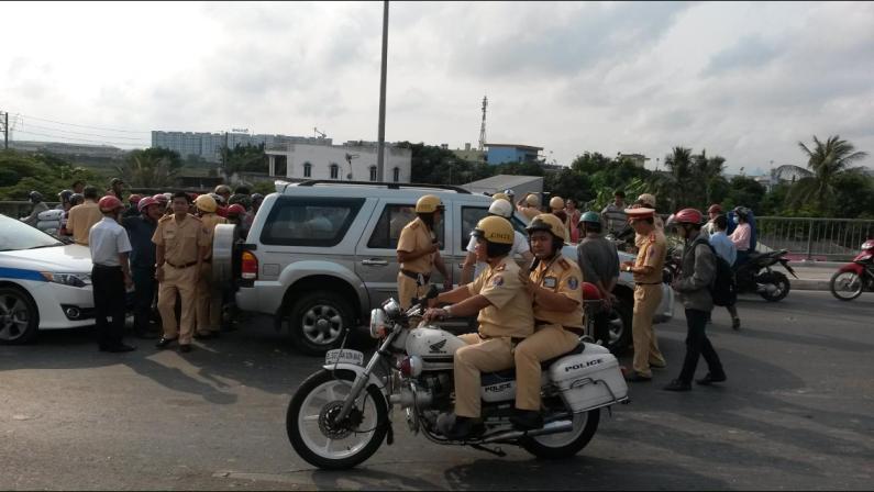 Thông tin mới vụ 30 mô tô cảnh sát truy đuổi 'xe điên' - ảnh 1