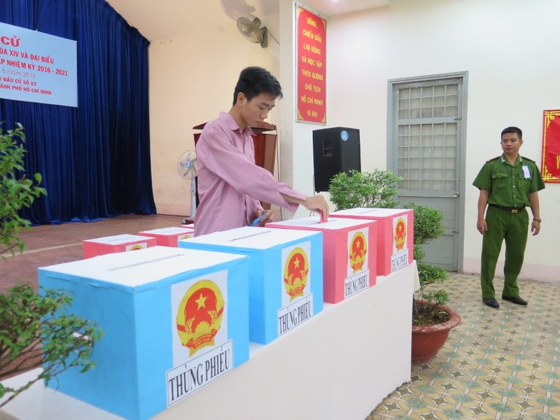 Lần đầu tiên 2.000 can phạm trại Chí Hòa xúc động đi bầu cử - ảnh 7