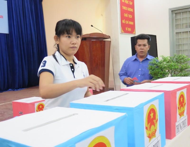 Lần đầu tiên 2.000 can phạm trại Chí Hòa xúc động đi bầu cử - ảnh 8