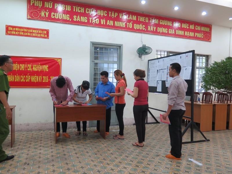 Lần đầu tiên 2.000 can phạm trại Chí Hòa xúc động đi bầu cử - ảnh 6