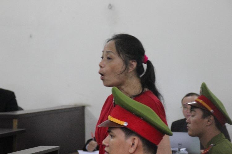 Bà Nga kêu oan tại phiên xử