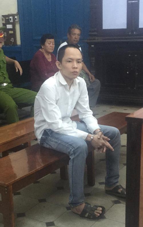 Bị cáo Ru Ly tại phiên toà