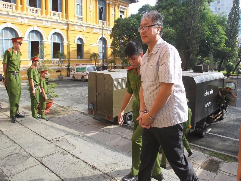 Bị cáo Phạm Công Danh được dẫn giải đến phiên xử