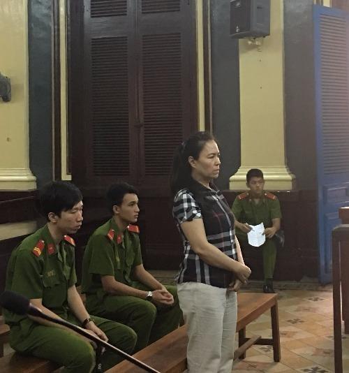Bị cáo Chi tại phiên toà