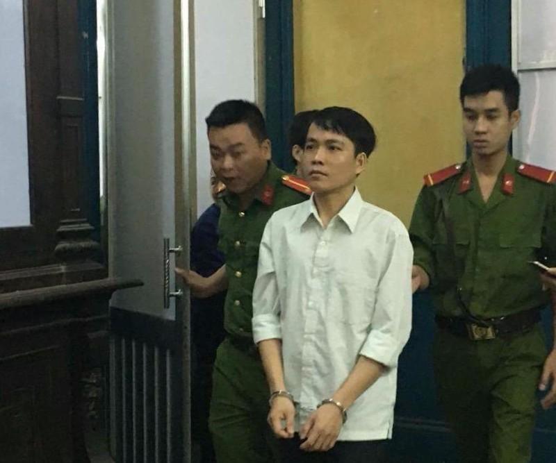 Bị cáo Quyền sau phiên xử