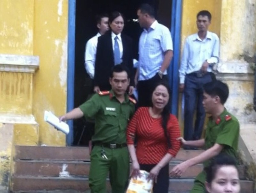 Y án 15 năm tù đối với hoa hậu quý bà lừa đảo - ảnh 1