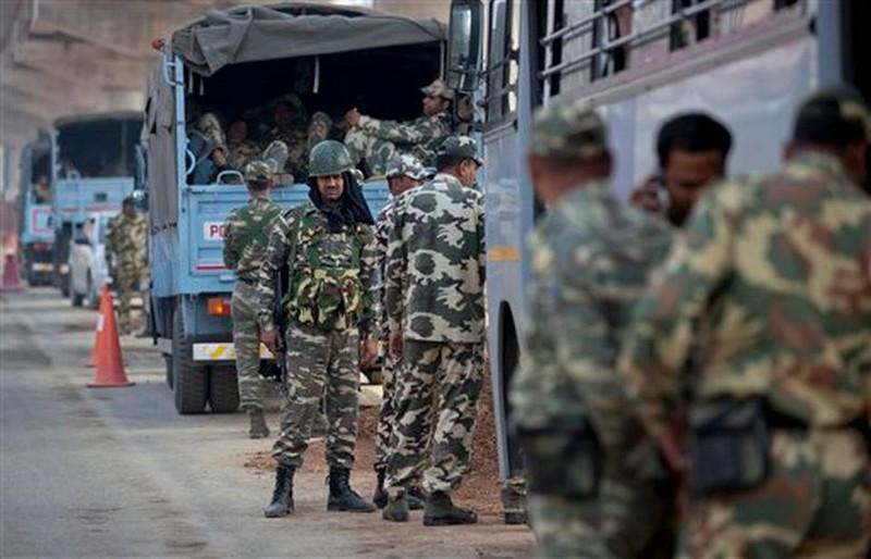 Người đẳng cấp thấp Ấn Độ biểu tình, sáu người chết - ảnh 3