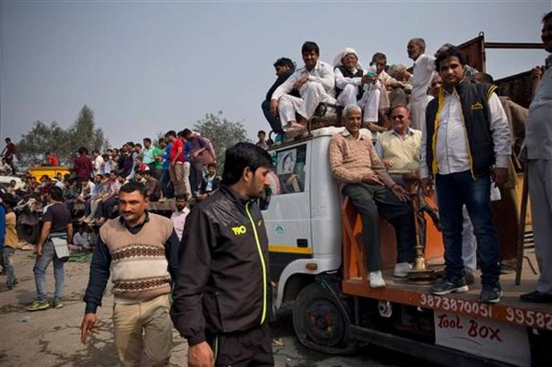 Người đẳng cấp thấp Ấn Độ biểu tình, sáu người chết - ảnh 2