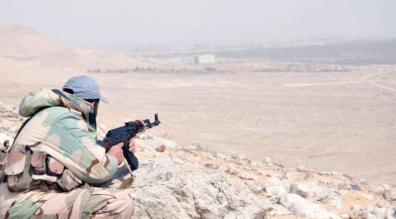 Nga tiếp tục không kích tại Syria, tái chiếm lãnh thổ IS - ảnh 1