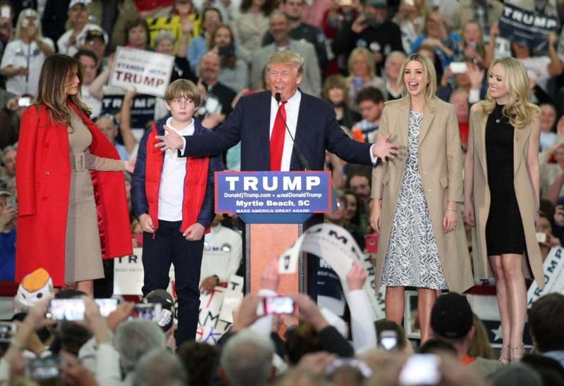 Ai tạo nên Donald Trump 'ngang tàng' ngày nay? - ảnh 2