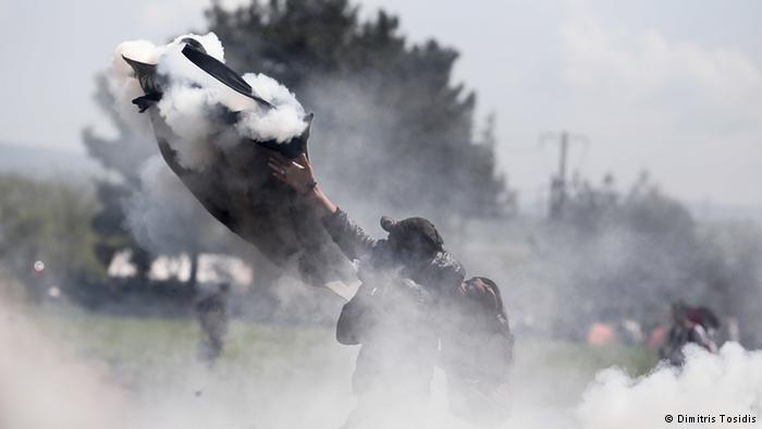300 người nhập cư bị thương vì cố vượt qua Macedonia - ảnh 2