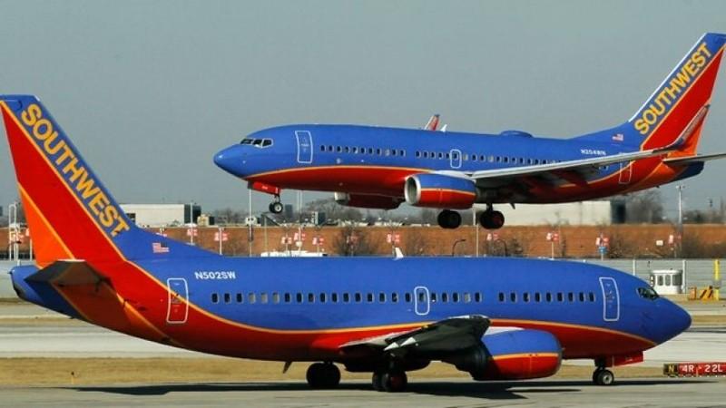 Nam sinh viên bị trục xuất khỏi máy bay vì nói tiếng Ả Rập - ảnh 1