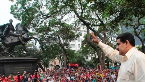 Tổng thống Venezuela đối mặt nguy cơ bị lật đổ - ảnh 4