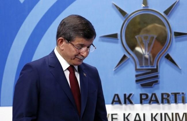 Thủ tướng Thổ Nhĩ Kỳ bất ngờ tuyên bố sẽ từ chức - ảnh 1