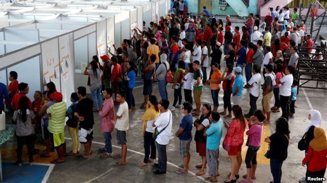 Philippines bầu cử tổng thống trong bạo lực - ảnh 1
