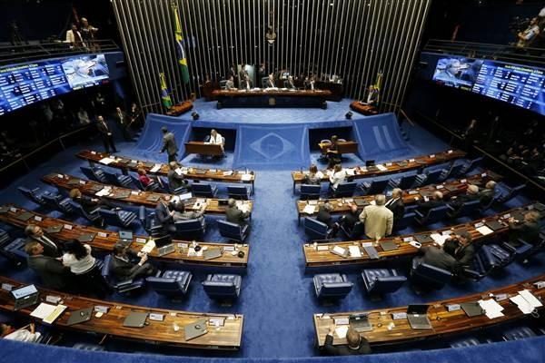 Tổng thống Brazil bị đình chỉ chức vụ và hầu tòa - ảnh 1