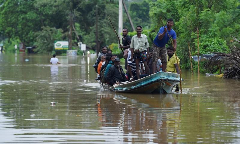 Lở đất khủng khiếp ở Sri Lanka, hàng trăm người chết - ảnh 1