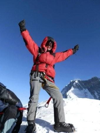 Mùa leo núi Everest năm nay rất nguy hiểm, đã có hai người chết - ảnh 2