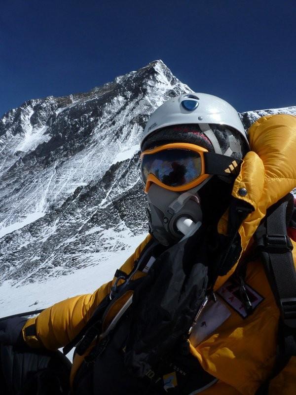 Mùa leo núi Everest năm nay rất nguy hiểm, đã có hai người chết - ảnh 1