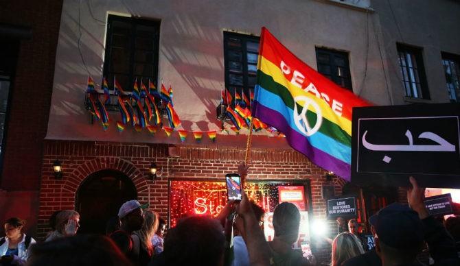 Thảm sát Orlando châm ngòi 'cuộc chiến' luật súng tại Mỹ - ảnh 2