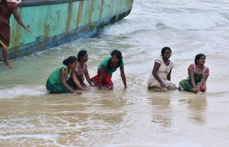 Indonesia đẩy người di cư Tamil ra biển  - ảnh 3
