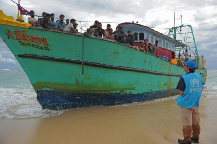 Indonesia đẩy người di cư Tamil ra biển  - ảnh 1