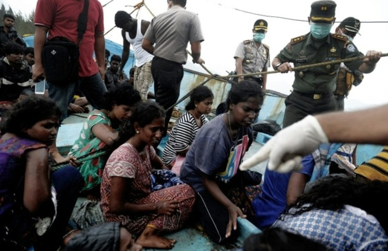 Indonesia đẩy người di cư Tamil ra biển  - ảnh 2