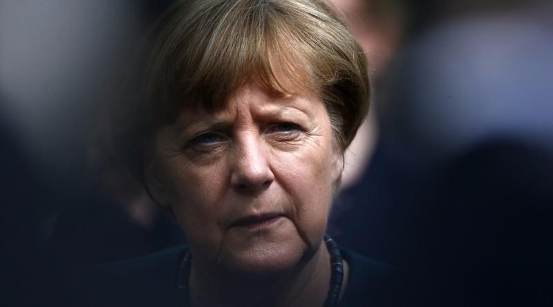 Angela Merkel nặng gánh vì EU