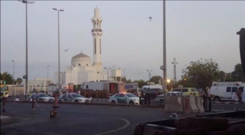 Đền thờ người Hồi giáo Shiite gần tổng lãnh sự quán Mỹ tại TP Jeddah (Saudi Arabia) bị đánh bom ngày 4-7.