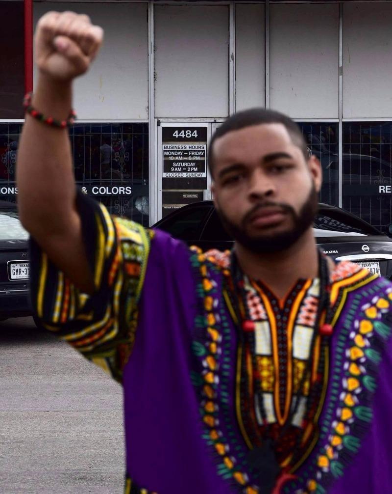 Micah Xavier Johnson là tay súng đã bắn tỉa 12 cảnh sát Dallas.