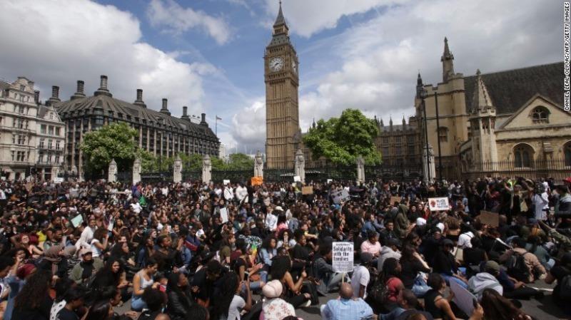 Biểu tình ở London ngày 10-7 ủng hộ phong trào Black Lives Matter của Mỹ.