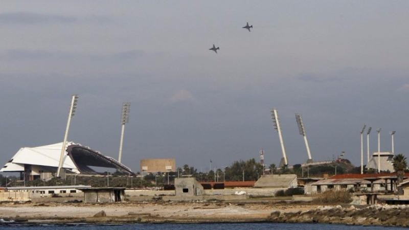 Máy bay Nga bay trên bầu trời TP Latakia (Syria).
