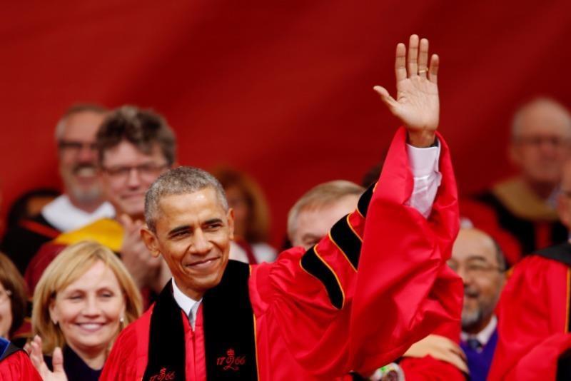 """""""Phải biết rõ điều mình đang nói"""" - Tổng thống Obama phát biểu tại lễ phát bằng đại học Rutgers năm 2016."""