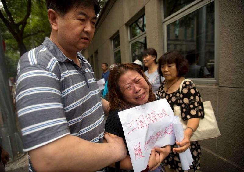Người thân nạn nhân MH370 chỉ trích quyết định ngưng tìm kiếm là vô trách nhiệm.