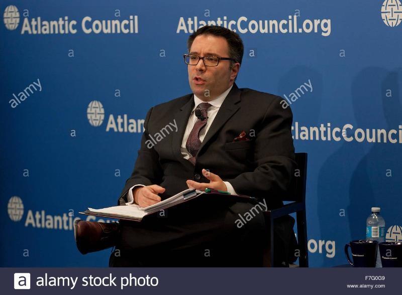 Nhà phân tích Harry J. Kazianis nhận định Trung Quốc sẽ lợi dụng sự kiện bầu cử Mỹ để khuấy động biển Đông.