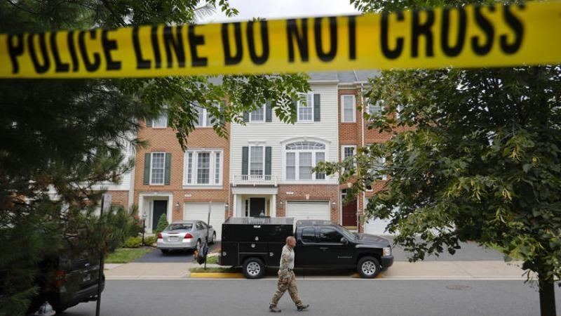 Nhà của Young ở Fairfax (bang Virginia) bị khám xét ngày 3-8